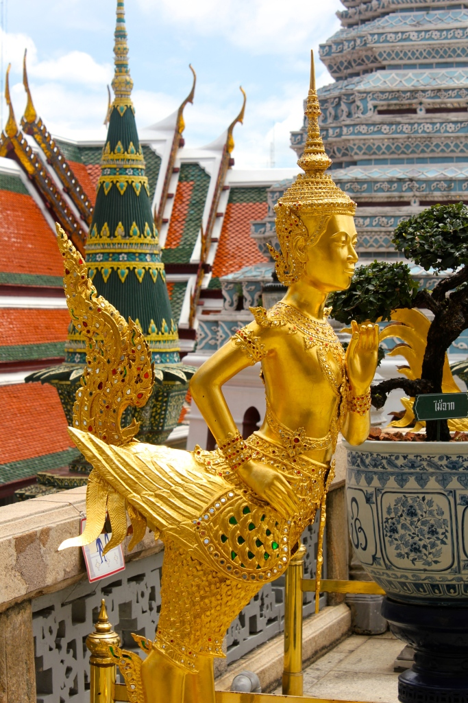 The Grand Palace in Bangkok was enormous and would have been overwhelming had we not paid for our amazing tour guide - who then informed us that the movie Anna and the King is illegal in Thailand. What??