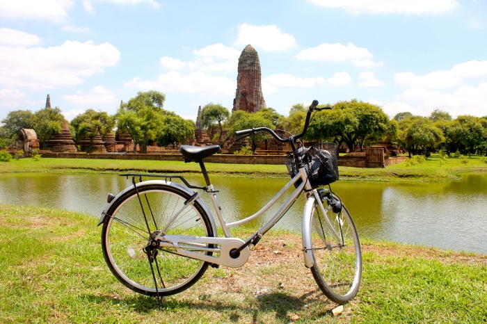 One more shot of Ayutthaya! Isn't it beautiful? I felt at times like I was back in Pompeii while exploring the ruins. Did you know that at one time Ayutthaya was the center of trade and global relations? Even Louis XIV had diplomatic envoys sent to Ayutthaya!